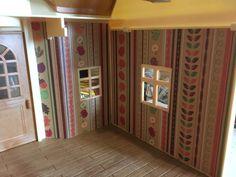 Papier peint pour les maisons Sylvanian Family http://bric-abroc.blogspot.fr/2017/02/sylvanian-family-choix-et-pose-de.html