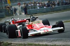 1976 GP of Zandvoort, James Hunt leads John Watson