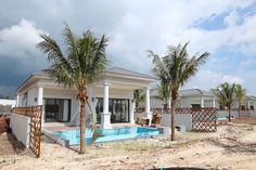 Tiến độ xây dựng dự án Vinpearl Phú Quốc 3 Resort & Villas tháng 10/ 2016 cho thấy gần như tất cả các căn biệt thự đã được xây dựng và hoàn thiện mặt ngoài