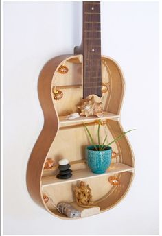 Whether as a cool gift, or great decoration for your own four walls, here I show you how you can easily build your own guitar shelf! Guitar Crafts, Guitar Diy, Wall Shelves, Shelving, Guitar Shelf, Build Your Own Guitar, Diy Regal, Teen Girl Bedrooms, Guitar Design