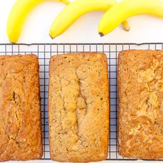 Here's the dietitian's recipe for simple homemade protein powder - using a surprise budget-friendly ingredient. Homemade Protein Powder, Pea Protein Powder, Protein Banana Bread, Dandelion Jelly, Peanut Butter Banana, Sweet Breakfast, Smoothie Recipes, Meals, Baking