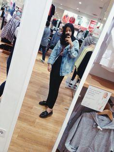 80's (2) jacket #tiyafitriaootd #tiyafitriastyle #hijab #hijabstyle #hijabfashion #hijabootd #tiyafitriaoutfit #tiyafitrialook #tiyafitriafashion #hijaboutfit #hijabcasual #blackmaxiskirt #maxiskirt #bluedenim #casual #casualoutfit #ootdindonesia #indonesiafashion #denimjacket #boyfriendjacket #pullandbear #lancel #denimoutfit #hijabdenim #casuallook #casualootd #ootdindo #lookbookindonesia