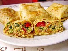 Sommerpfannkuchen mit Zucchini - Knoblauch - Frischkäse - Füllung, ein schmackhaftes Rezept aus der Kategorie Gemüse.…