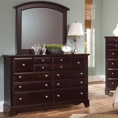 $495 Hamilton/Franklin Triple Dresser with 7 Drawers by Vaughan Bassett - Gardiners Furniture - Dresser Baltimore, Towson, Pasadena, Bel Air, Westminster, Catonsville, Maryland