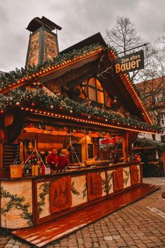 There is no place in the world quite like Christmas in Germany. Find out about the 15 best markets in Germany with tips and guides! Christmas Feeling, Merry Little Christmas, Cozy Christmas, Christmas Time, Christmas Place, French Christmas, Primitive Christmas, Outdoor Christmas, Country Christmas