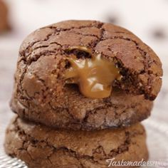 Stuff chocolate cookies with warm dulce de leche for an unforgettable sweet treat.