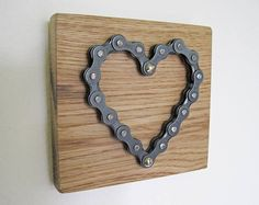 Handmade Heart made from Bicycle Chain on Reclaimed Oak for .- Handmade Heart made from Bicycle Chain on Reclaimed Oak for Wall Hanging with Unique Bike Hanger Bicycle chain heart on oak - Bike Hanger, Reclaimed Wood Wall Art, Horseshoe Crafts, Creation Deco, Wall Mounted Coat Rack, Bike Chain, Welding Art, Hanging Hearts, Bike Art