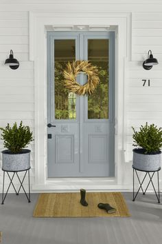 Easy ways to add curb appeal Freshen up your home's facade with outdoor décor that creates a car-stopping look. Find quick front porch decorating ideas for a fall refresh at Walmart. Modern Farmhouse, Farmhouse Decor, Farmhouse Front, Tree House Designs, Cottage, Porch Decorating, Decorating Ideas, Front Door Decor, Painted Front Doors