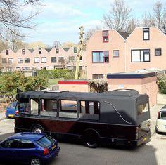 #Uitvaartbus in Groningen voor de eigen deur. In de bus kunnen naast de overledene 17 naasten meerijden. Vehicles, Car, Vehicle, Tools