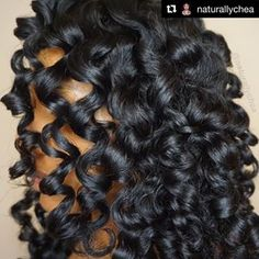 Bouncy curls Heatless Curlers and styling tools, Combs, and Brushes Heatless Waves, Curly Hair Styles, Natural Hair Styles, Insta Snap, Bouncy Curls, Styling Tools, Textured Hair, Wavy Hair