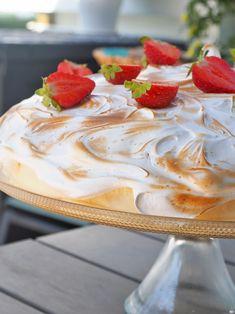 Sitruunajuustokakku ja sveitsiläinen marenki - Kaakao kermavaahdolla Panna Cotta, Cheesecake, Baking, Ethnic Recipes, Desserts, Food, Tailgate Desserts, Dulce De Leche, Deserts