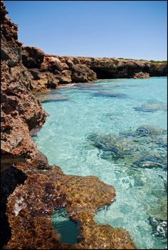 Panoramio - Photo of Sa Cova d'es Pardals, plataformas Beach Trip, Vacation Trips, Ciutadella Menorca, Wonderful Places, Beautiful Places, Beach Vibes, Spain Travel, Places To See, Travel Inspiration
