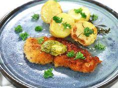 Kycklingschnitzel med örtsmör och rostad potatis Nom Nom, Curry, Meat, Chicken, Food, Curries, Essen, Meals, Yemek