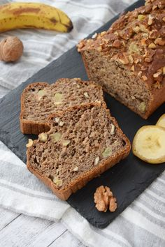 Banana Bread vegana sau de post (fara zahar) | Foodieopedia Baby Food Recipes, Cooking Recipes, Sweets Recipes, What A Beautiful Day, Raw Vegan, Banana Bread, Deserts, Food And Drink, Smoothie