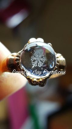 Real preserved snowflake 10kt ring 10k yellow gold real