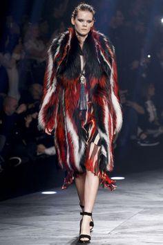 Pelo a todo color praying this is fake fur