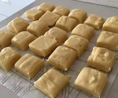 Condensed Milk Fudge Ingredients: tin condensed milk brown sugar milk butter Directions: Grease and line a square baking tin. Heat together the milk, condensed milk, butter and sugar over a low heat in a non-stick saucepan for Fudge Recipes, Candy Recipes, Dessert Recipes, Delicious Recipes, Milk Candy Recipe, Recipe Tasty, Recipe Recipe, Cupcake Recipes, Recipe Ideas