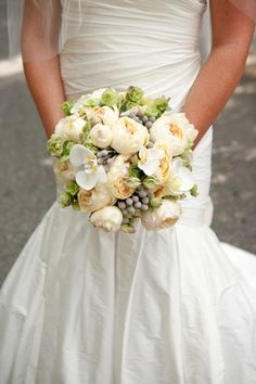 bride bouquet - Rose, garden rose, and snapdragon bouquet by Delma's