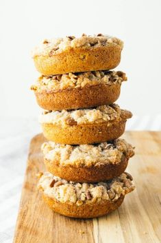 Try this keto cinnamon sugar donuts - they're perfect for a weekend morning! What makes these cinnamon crumb cake keto donuts so special? The fact that they are totally gluten-free and low-carb! Donuts Keto, Low Carb Doughnuts, Low Carb Donut, Low Carb Sweets, Keto Cookies, Low Carb Desserts, Low Carb Keto, Low Carb Recipes, Donut Recipes