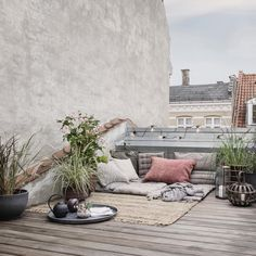 Anyone dreaming about a blooming rooftop or balcony? 🌿 #housedoctordk⠀ ⠀ ⠀⠀⠀⠀⠀⠀⠀⠀⠀⠀⠀⠀⠀ ⠀⠀⠀⠀⠀⠀⠀⠀⠀⠀⠀⠀⠀ ⠀⠀⠀⠀⠀⠀⠀⠀⠀⠀⠀⠀⠀ ⠀⠀⠀⠀⠀⠀⠀⠀⠀⠀⠀⠀⠀…