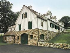 exterior Denbigh Stables in Connecticut, by Allan Greenberg Architects (jonathon wallen)