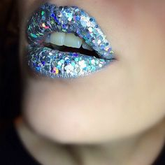 holographic glitter lips by Frenchtouchofmakeup http://instagram.com/frenchtouchofmakeup/