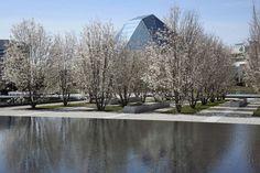 Картинки по запросу Aga Khan Park. Vladimir Djurovic Landscape Architecture