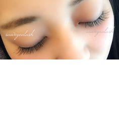 eyelashextensions 目を閉じた時に上から見られた時の事も気にしたデザイン!!! ナチュラルマツエクは男性にも人気です!!♪ 目尻にカーキブラウンミックスのナチュラルカラーマツエク#eyelashes#make#メイク#ナチュラル#デザイン