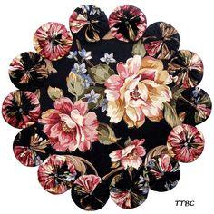 cloth yo-yo placemats | ... PINK BURGUNDY ROSES YoYo Candle Mat Table Centerpiece Teacup DOILY