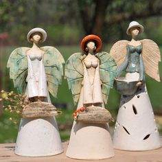 Gardens, Crafts and Salt dough Paper Mache Sculpture, Sculptures Céramiques, Pottery Sculpture, Ceramic Figures, Clay Figures, Raku Pottery, Pottery Art, Pottery Angels, Clay Angel