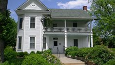 Historic Dunnwoody Folk Victorian Home Atlanta, Georgia