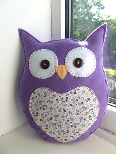 Handmade Felt Owl Pillow Lavender Scented by SewJuneJones o Sewing Toys, Sewing Crafts, Sewing Projects, Cute Pillows, Baby Pillows, Owl Sewing Patterns, Owl Cushion, Felt Owls, Owl Crafts