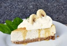 Whole pear cake - HQ Recipes Banoffee Cheesecake, Banoffee Cake, Grandma Cookies, Pear Cake, Cookie Box, Cake Pans, Quick Easy Meals, Cheesecakes, A Food