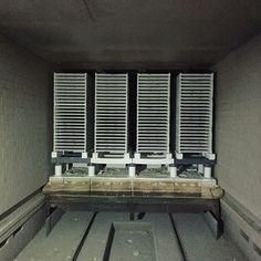 窯の出口から👀  現在、工場はお盆休み中で窯は止まっています  こんな時にしか窯の中には入れないので貴重な写真‼️です😊  .  トンネル窯の中は暗〜くてあたたかくて  出られなくなったら...と思うとゾッとします笑  .  #タイル #タイル屋 #工場 #窯 #トンネル窯 #tile #tiles #factory #kiln #sugy #🏭 How To Make Tiles, Blinds, Curtains, Photo And Video, Instagram, Home Decor, Decoration Home, Room Decor, Shades Blinds