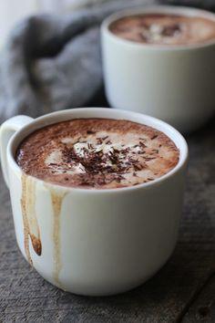 Mexican Hot Chocolate made with dark chocolate, milk, chipotle chile and whipped cream. Chocolate Chili, Mexican Hot Chocolate, Hot Chocolate Recipes, Chocolate Cake, Spicy Drinks, Yummy Drinks, Yummy Food, Tasty, Cold Drinks