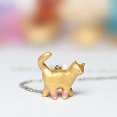 Le Chat Totem Necklace by Le Animale I need this for my Kitty- maybe for xmas! Crazy Cat Lady, Crazy Cats, Cat Jewelry, Jewellery, Cat Necklace, Cat Scratching, Pink Love, Cool Suits, I Love Cats