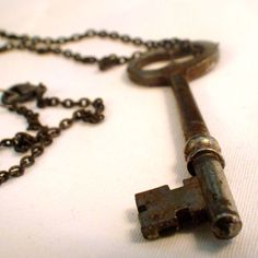 This real tarnished vintage silver skeleton key pendant necklace portrays an authentic yet whimsic. Antique Keys, Vintage Keys, Vintage Silver, Victorian Jewelry, Vintage Jewelry, Unique Jewelry, Victorian Gothic, Gothic Steampunk, Skeleton Key Jewelry