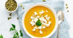 Jemne sladká polievka príjemne balansuje so slanou bryndzou. Cream Of Pumpkin Soup, Cream Soup, Vegeterian Dishes, Food Porn, Foodblogger, Curry, Appetizers, Vegetarian, Tasty