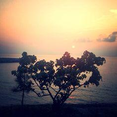 Afternoon in Araha Beach.