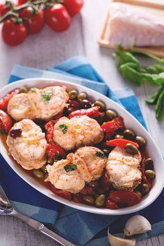 Coda di rospo con olive: un secondo piatto saporito realizzato con la rana pescatrice, pomodori piccadilly e le olive taggiasche. [Monkfish with piccadilly tomato and olive]