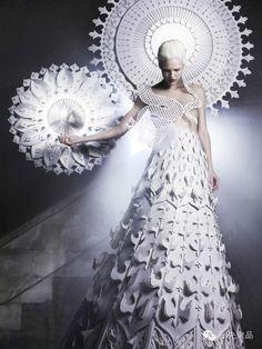 一场如痴如幻的纸艺盛宴:96张高清大图展示时尚与艺术的完美结合