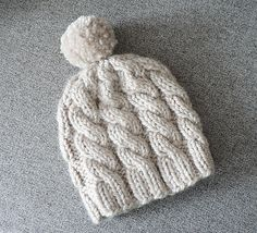 Bulky yarn Ravelry: Project Gallery for Snappy Hat pattern by Corrina Ferguson