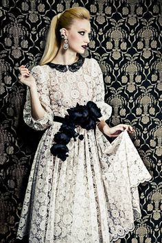 Tweed Rose is your daily fashion and style, giving you the best of fashion glossy and international runways. Feminine Mode, Modest Fashion, Fashion Outfits, Dress Skirt, Dress Up, Ribbon Skirts, Russian Fashion, Bridal Looks, Couture Dresses