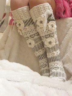 Suomi on miljoonien villasukkien maa – kuvaa meille omasi Wool Socks, Knitting Socks, Hand Knitting, Crochet Slippers, Knit Crochet, Crochet Hats, Knitting Patterns, Crochet Patterns, Fluffy Socks