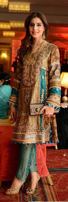 New Asian Fashion Latest Engagement Bridal Dresses Collection for Weddings Pakistani Couture, Indian Couture, Pakistani Outfits, Indian Outfits, Indian Attire, Indian Wear, Ethnic Fashion, Asian Fashion, Latest Fashion