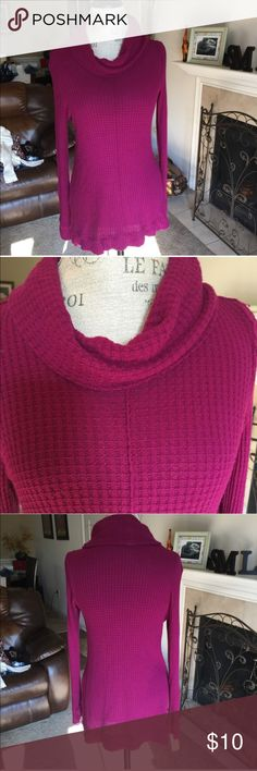 Nwt cute sweater Firm unless bundled. No trades, or modeling. Thank you for understanding.💕 Daisy Fuentes Sweaters Crew & Scoop Necks