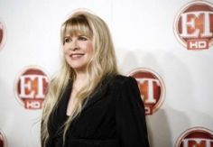 http://www.christianpost.com/news/lady-antebellum-and-fleetwood-macs-stevie-nicks-to-collaborate-for-cmt-series-crossroads-video-102568/