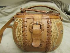 HANDCARVED GOURD PURSE FROM TRINIDAD BEAUTIFUL UNIQUE