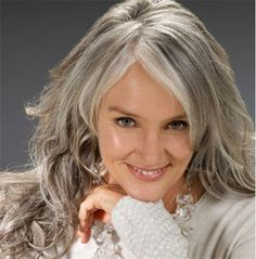 Love this #gray hair style #graybeauty