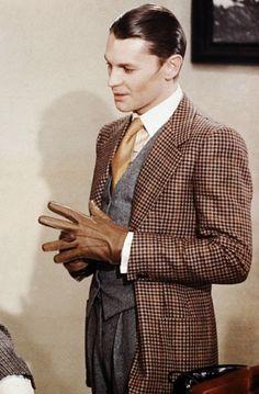"Helmut Berger in ""The Damned"" killing it. Helmut Berger, Blazers For Men Casual, Luchino Visconti, Bon Film, Alain Delon, Dapper Gentleman, Stylish Boys, Well Dressed Men, Handsome"